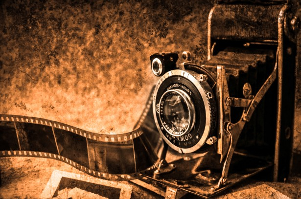 old-camera-1379445539HQh-1457902606.jpg
