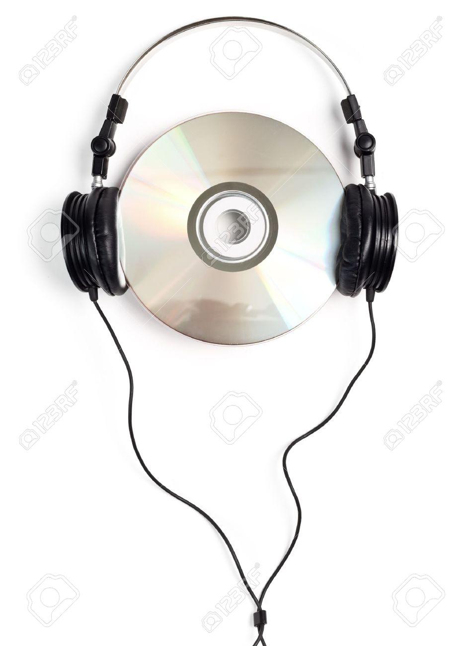 16944354-Casque-d-coute-avec-CD-vierge-sur-fond-blanc-Banque-d_images-1461583296.jpg