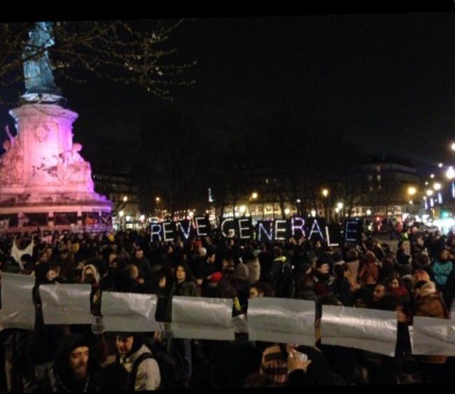 Nuit-debout-Paris_image-gauche-1461874751.png