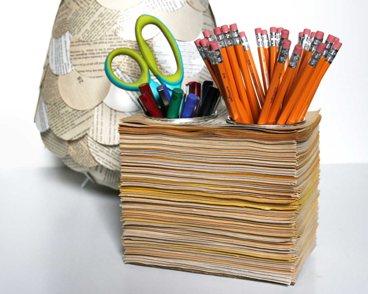 book-page-pencil-cups-1463874532.jpg