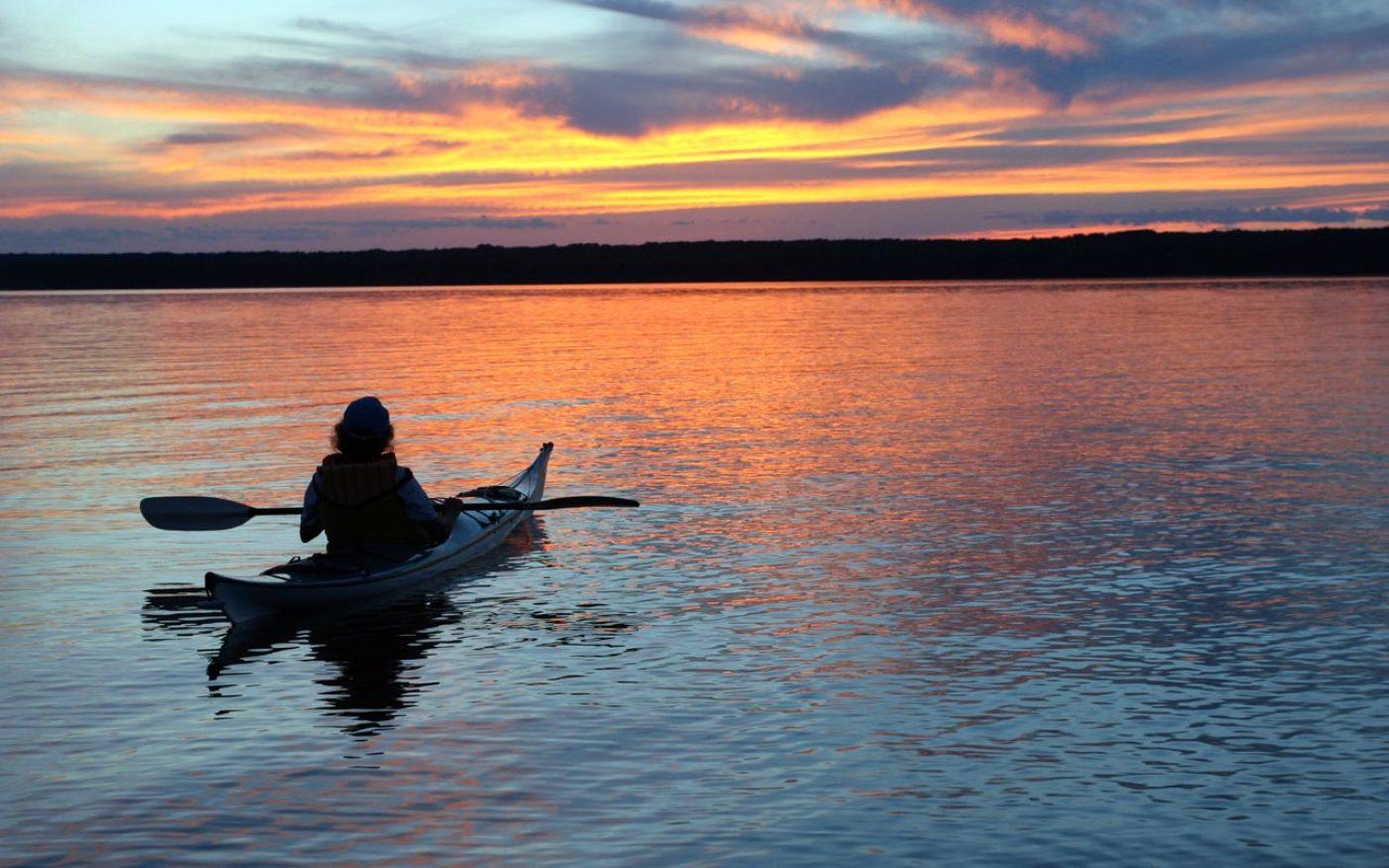 kayak-1464967344.jpg