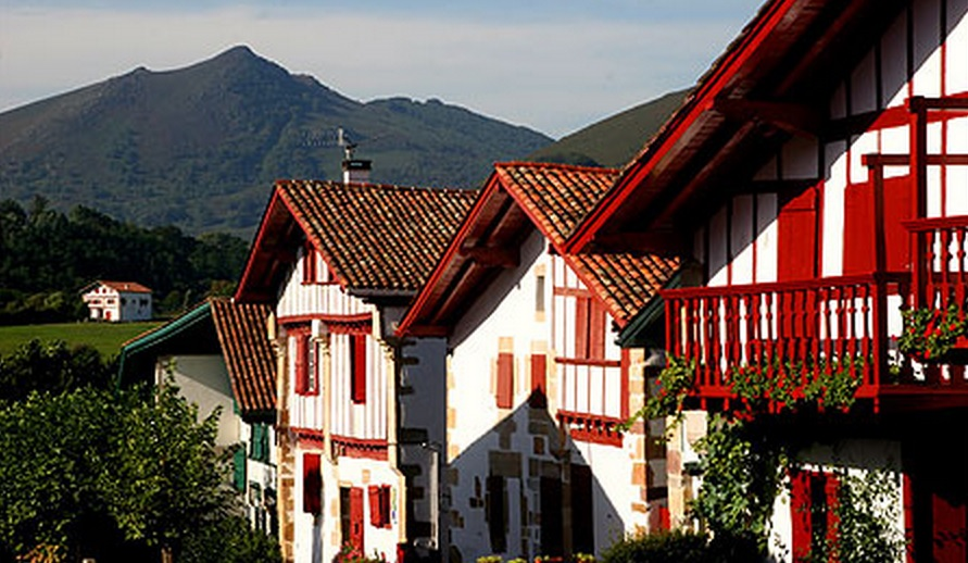 pays-basque-1475792012.jpg