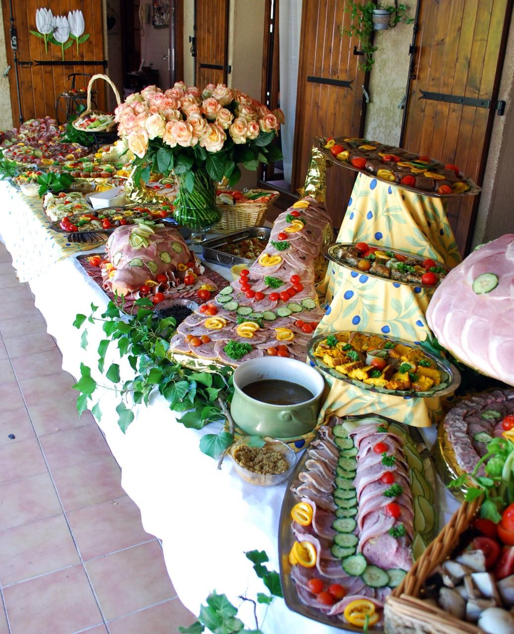 buffet-1475837366.jpg
