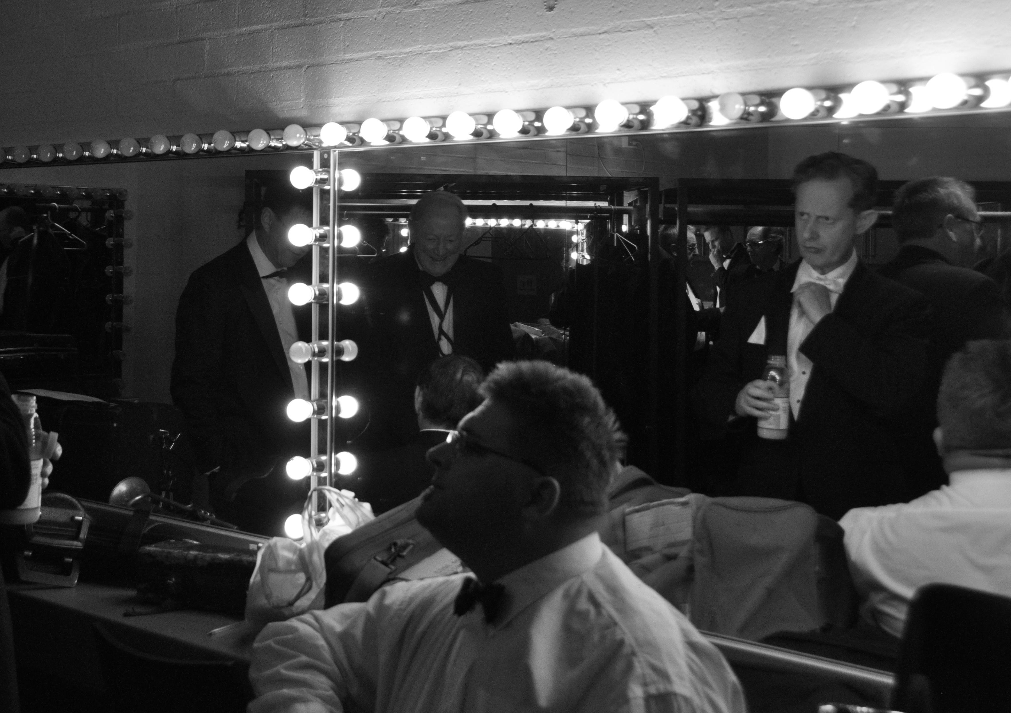 backstage_mirror_rogn_-1476102926.jpg