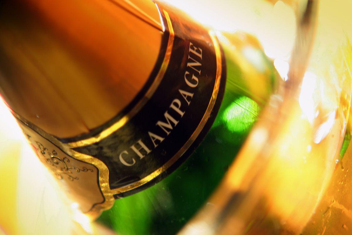 38_bouteille_de_champagne_04_credit_photo_phovoir-1477305891.jpg