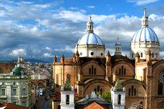 equateur-cuenca-cathedrale-1494781035.jpg
