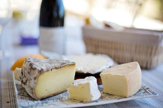 cheese-tray-1433504_640-1499609793.jpg