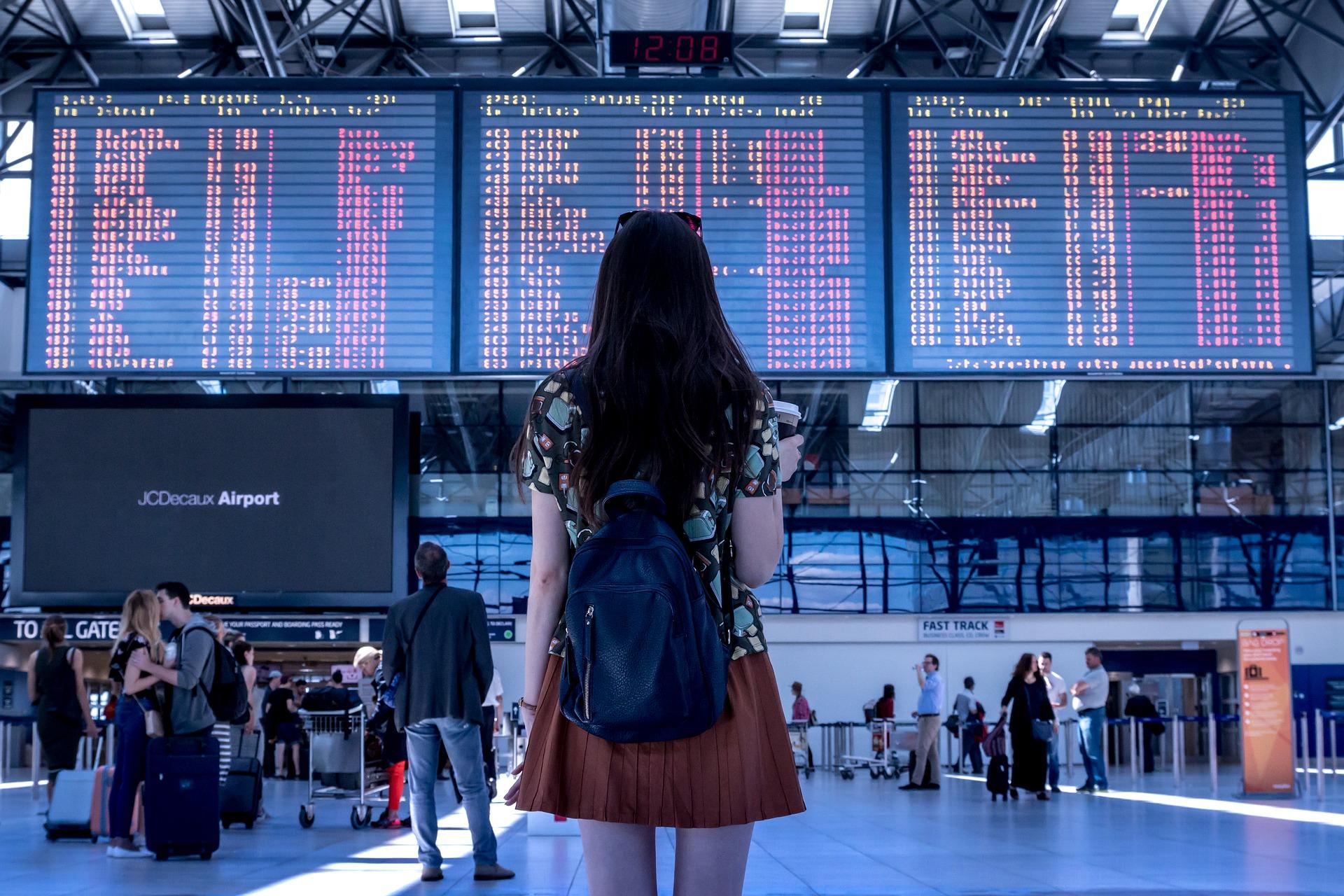 airport-2373727_1920-2-1507199733.jpg