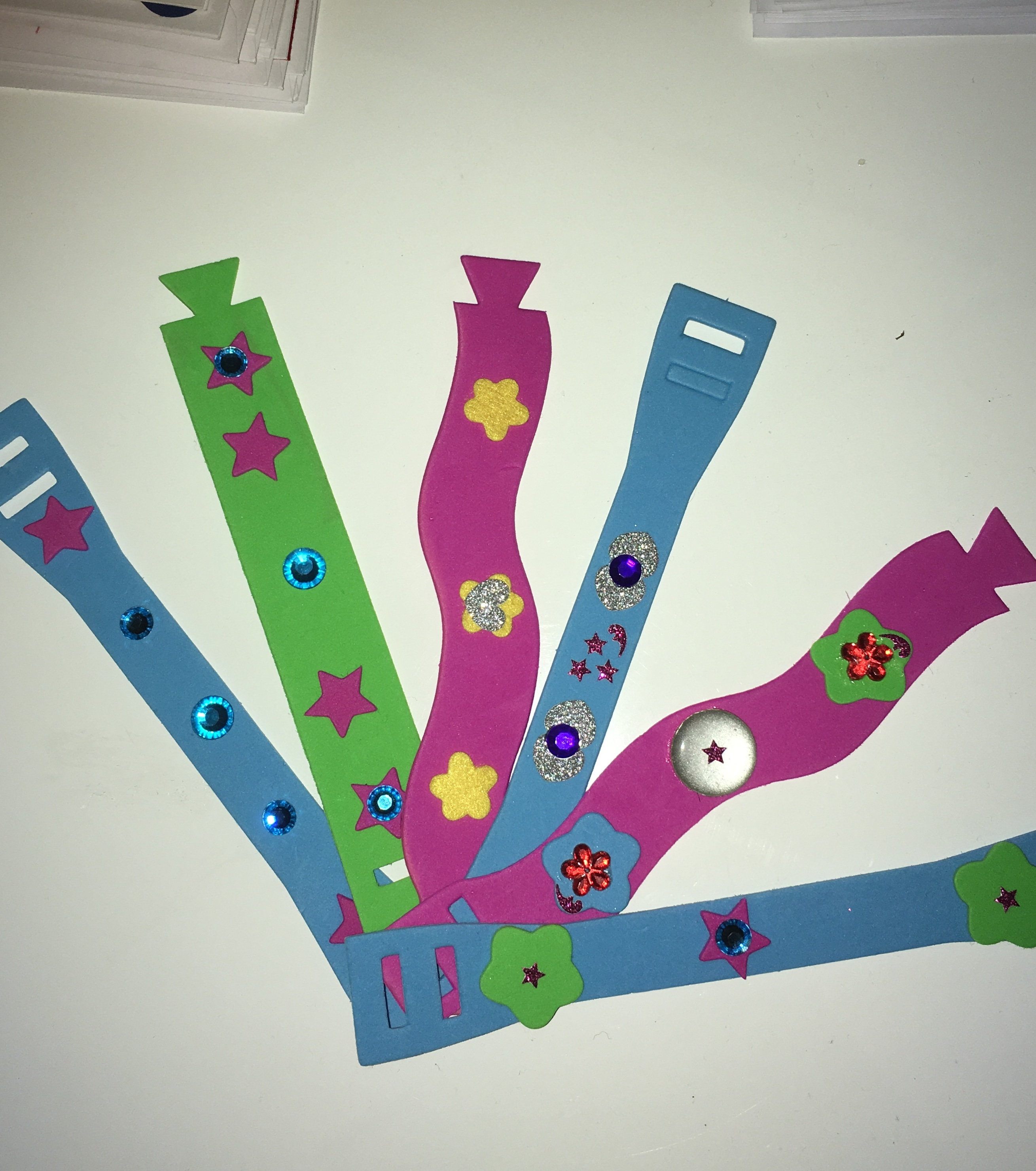 bracelets-1510399106.jpg