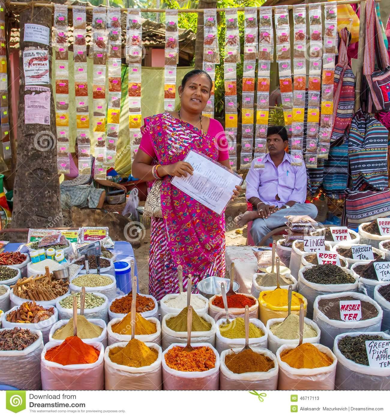 femme-indienne-vendant-des-_pices-au-march_-46717113-1511713911.jpg