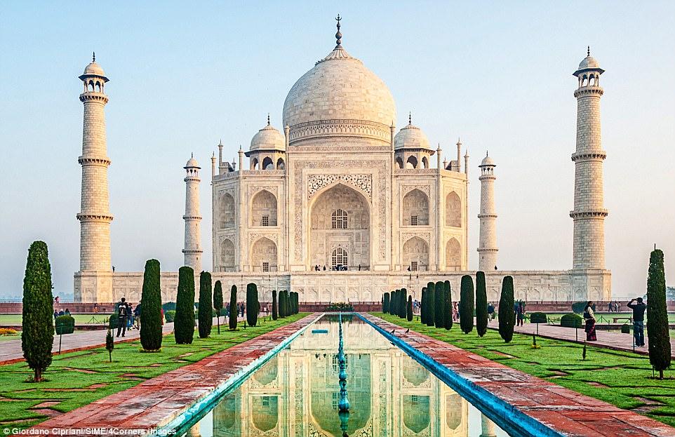 Taj-Mahal-1511713953.jpg