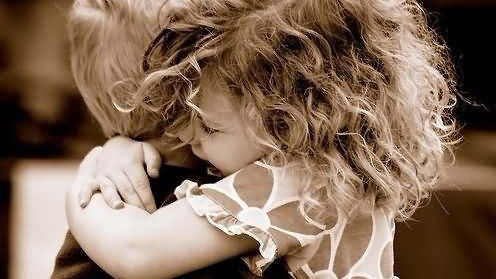 brother-and-sister-hugging-picture-1513695212.jpg