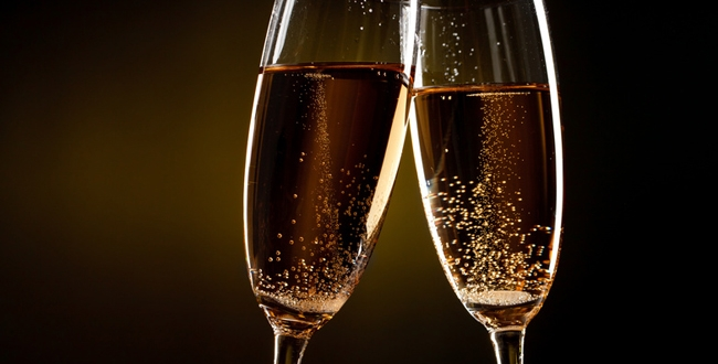 18736-650x330-bulles-de-champagne-fotolia-sergey-1518712998.jpg