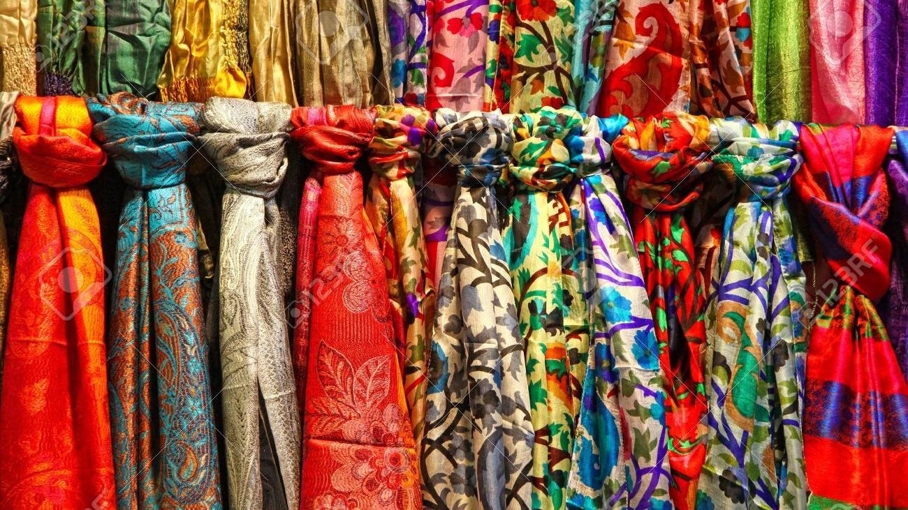 foulards_en_soie-1520093233.jpg