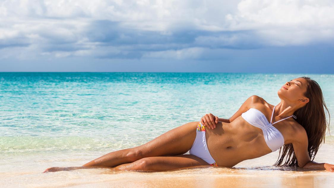 plage-femme-tropique-1524997620.jpg