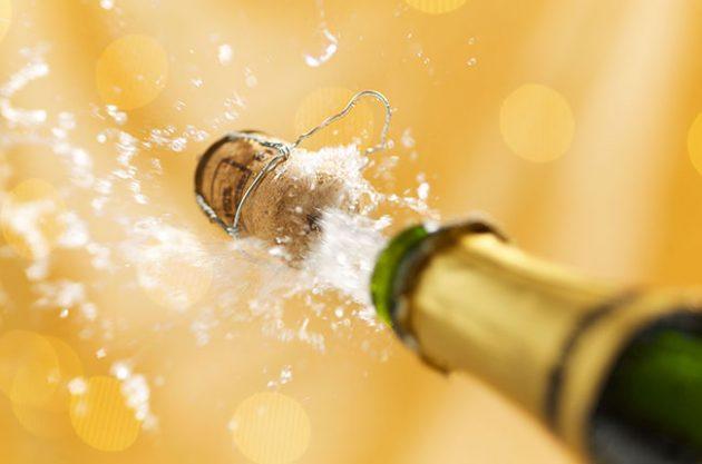 champagne-cork-popping-alamy-DNMH7J-630x417-1526227573.jpg