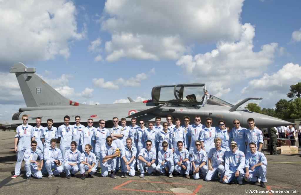 45-jeunes-pilotes-ont-pris-le-depart-du-hop-_-tour-des-jeunes-pilotes-2014-1527517749.jpg