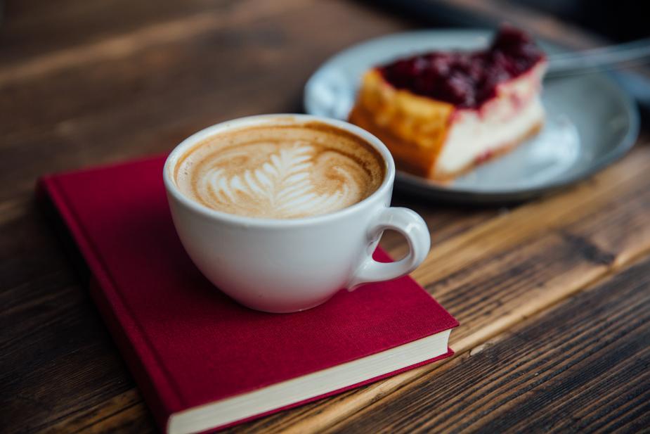 latte-art-on-book_925x-1528183364.jpg
