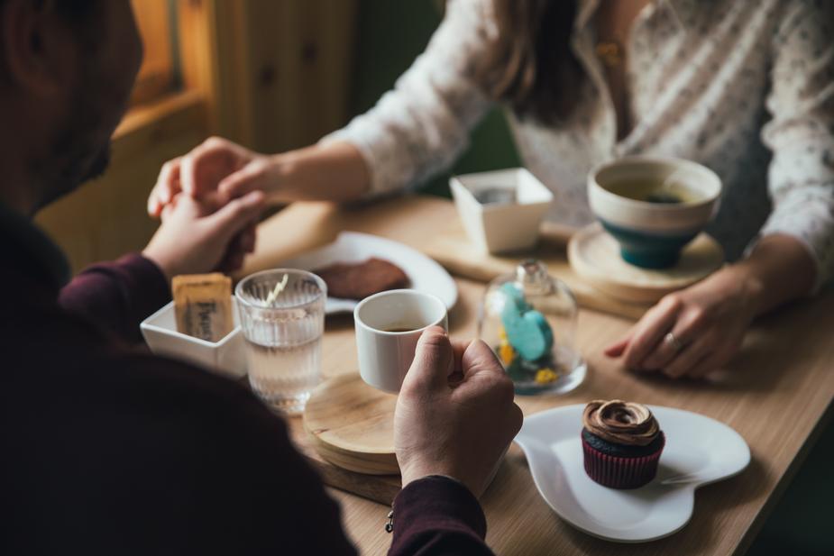 couple-on-coffee-date_925x-1528205268.jpg