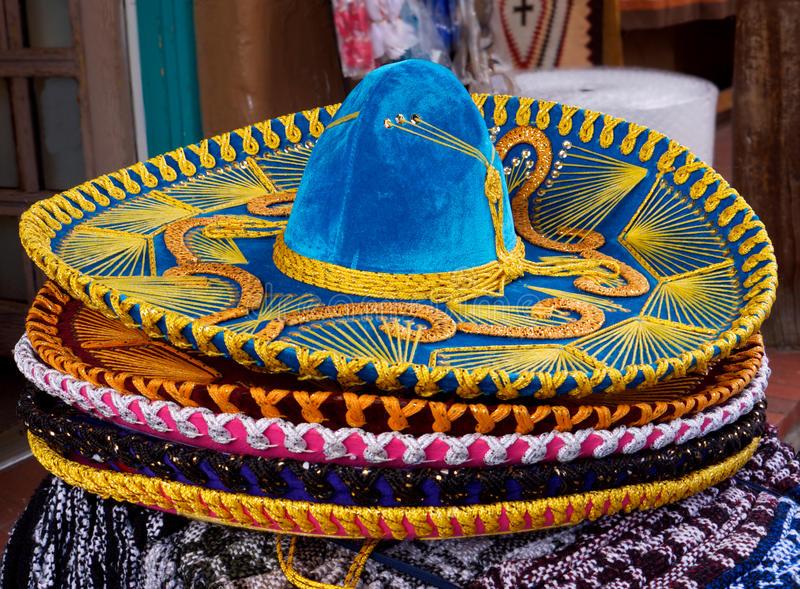 sombrero-mexicain-15131041-1530264941.jpg