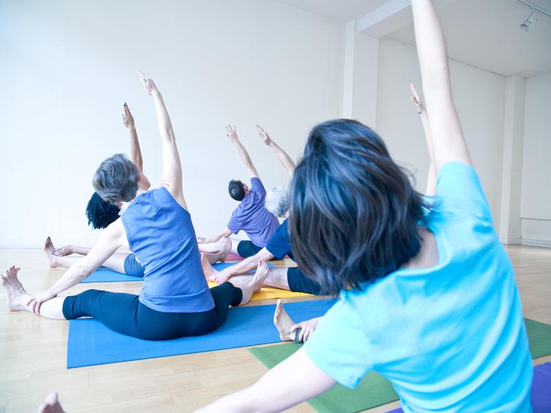 yoga_class_01.jpg
