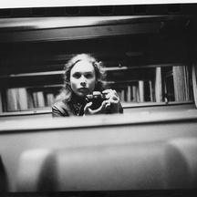 Normal  2017 floretricotelle photographe autoportrait dans le train 1528019279